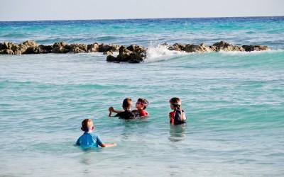 Cuidados com as crianças em uma viagem de verão