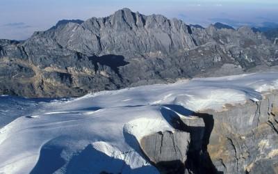 Pirâmide Carstensz, uma das maravilhas dos 7 cumes conquistados por Niclevicz