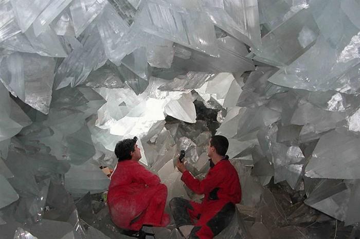 """Uma das galerias com os cristais """"menores"""" em Naica"""