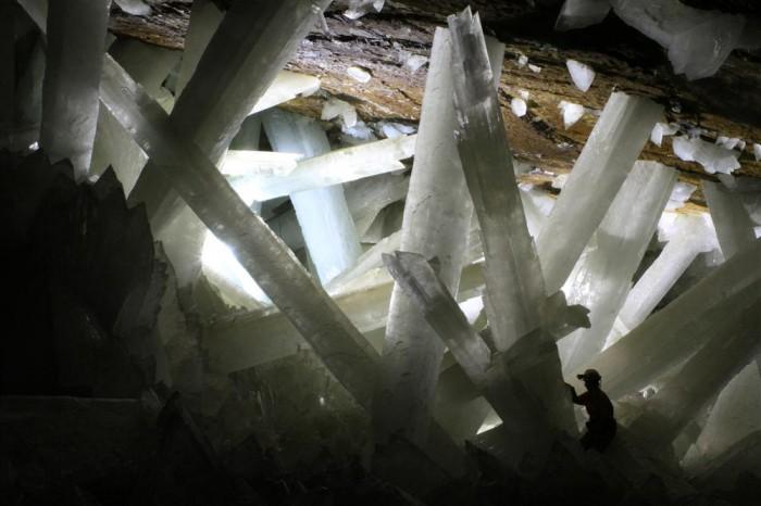Naica é incrível! Olha o tamanho desses cristais gigantes