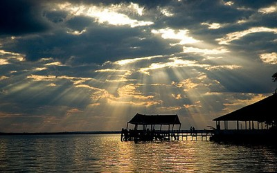 Lago Yypacarai, no Paraguai
