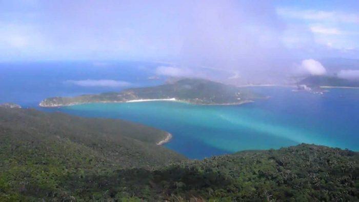 Vista da Ilha do Cabo Frio - Ilha do Farol em Arraial do Cabo - RJ