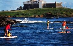 Stand Up Paddle no Porto da Barra, em Salvador