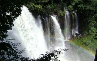 Cachoeira do Acaba Vida, em Barreiras - Foto: Joel Ramos