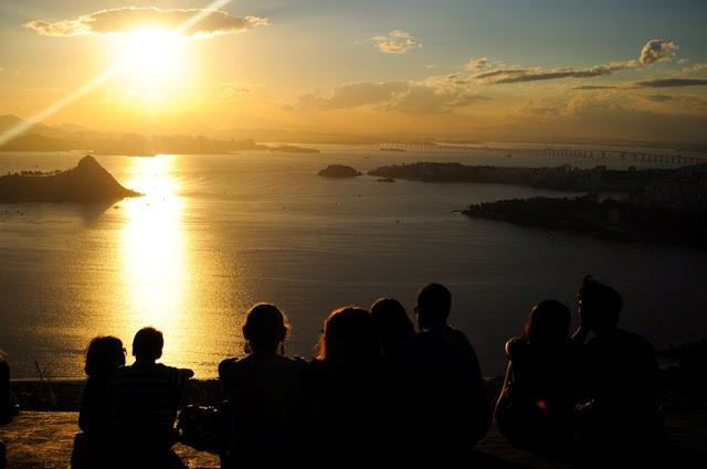 Pôr-do-sol visto da rampa do Parque da Cidade, em Niterói - Foto: Bruno Costa - http://deixadefrescura.com