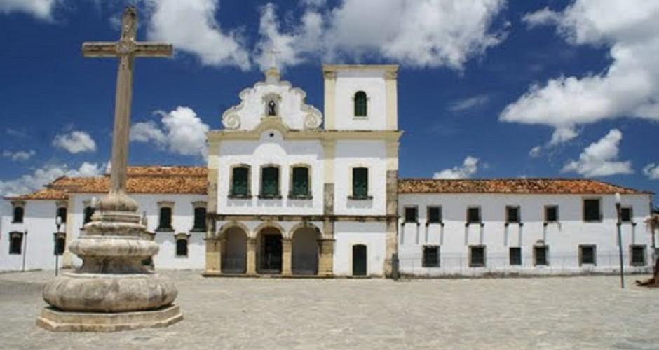 Igrejas históricas construídas nos século 17 e 18 despertam a curiosidade dos visitantes - Crédito: Marco Carrilho