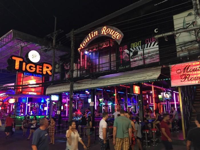 Noite em Patong Beach