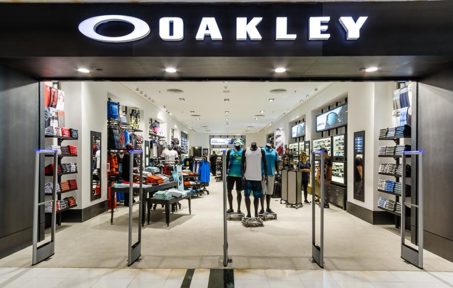 Oakley inaugura sua nova loja no Shopping Rio Sul - RJ - Trilhas e ... 240cf149bb
