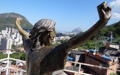 Laje do Michael Jackson no Morro Santa Marta