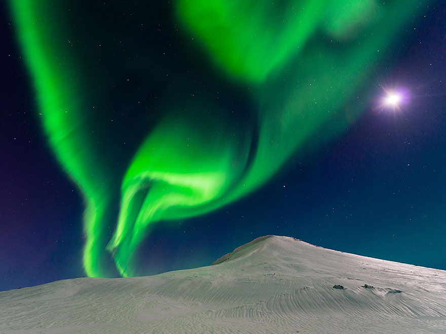 #10 Dança Com A Lua, Islândia