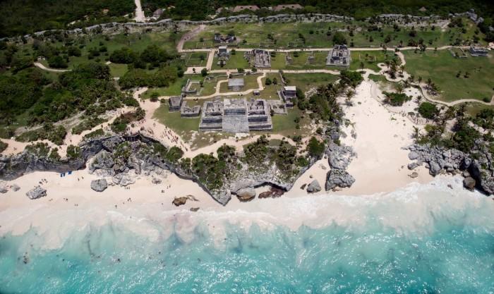 Vista aérea da zona arqueológica de Tulum