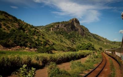 Trem de passageiros da Vale, em MG. Foto: Renan Carvalhais