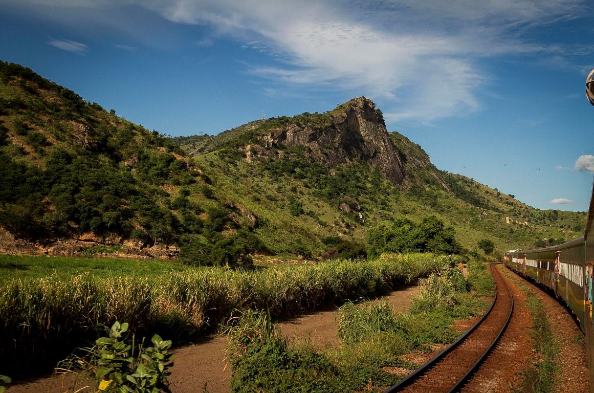 Viagens de trem: 7 roteiros para conhecer RJ, ES e MG sobre trilhos