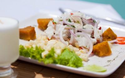 Cebiche Peruano de pescado e Pisco Sour - Foto: Alex Bryce