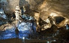 Interior de Grutas de Cacahuamilpa