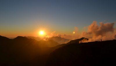 Pôr do sol na Pedra do Sino - RJ