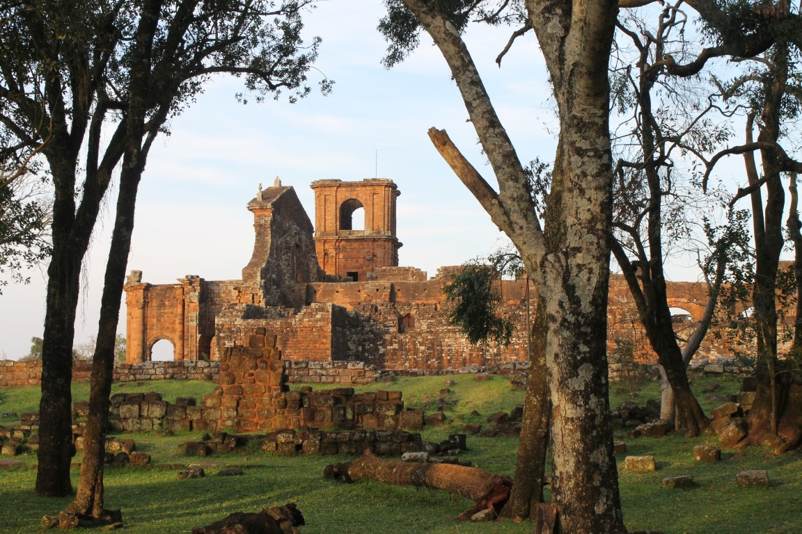 Vista das ruínas a partir da Casa das Viúvas