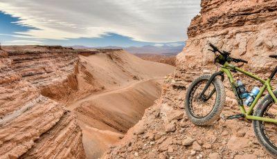 Deserto do Atacama de Bicicleta, no Chile