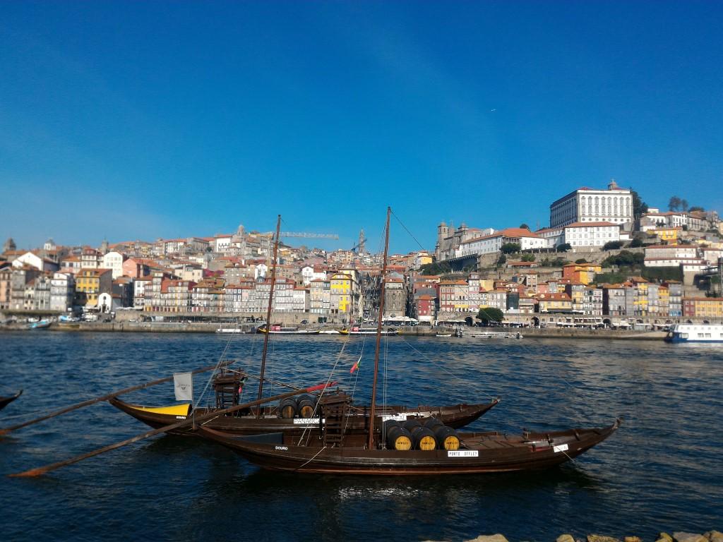 Cidade do Porto vista pela outra margem do rio