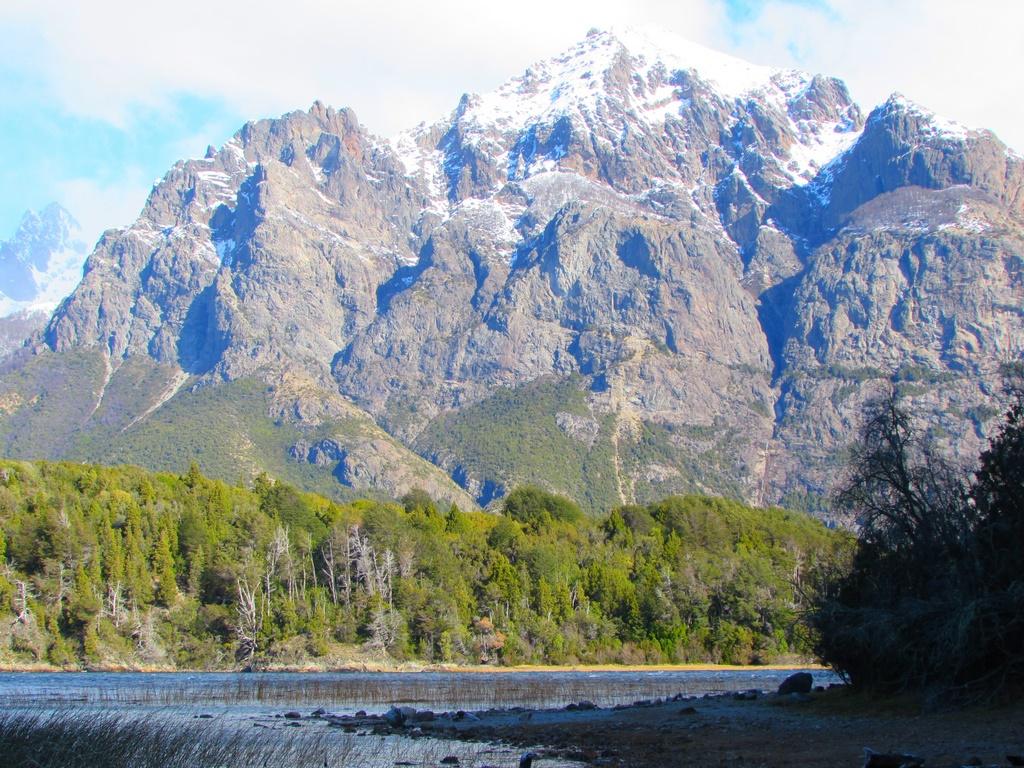 As montanhas e seus picos nevados
