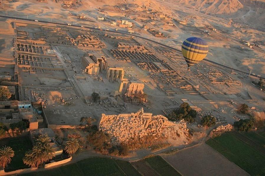 Passeios de balão em Luxor, Egito