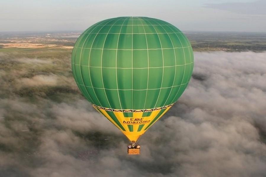 Passeios de balão na Amazônia, Brasil