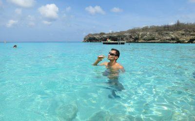 Águas cristalinas nas praias de Curaçao