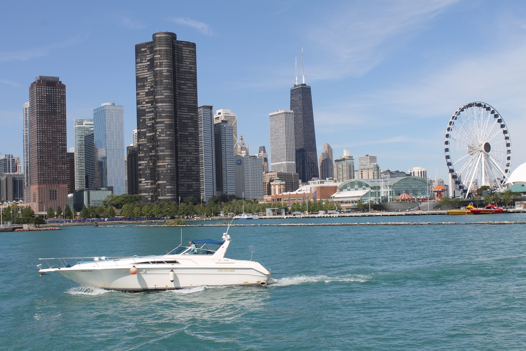 Skyline de Chicago com Navy Pier à direita