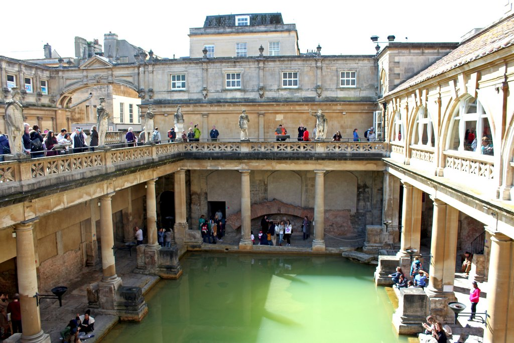 As famosas piscinas de Bath, parte da arquitetura original ainda é preservada