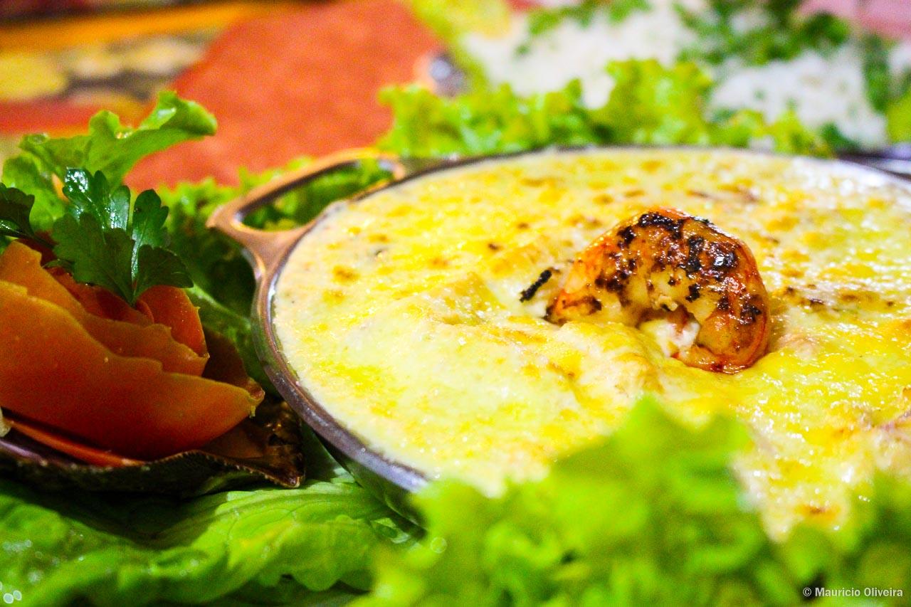 Gratin de Frutos do Mar, no Restaurante Saint Tropez em Arraial do Cabo