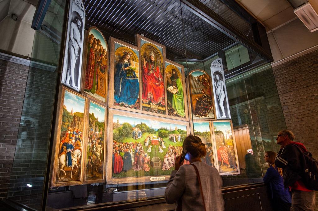 Obra 'A Adoração do Cordeiro Místico', dos irmãos van Eyck, receberá comemorações após término de restauração em 2020 (Foto: www.lukasweb.be)