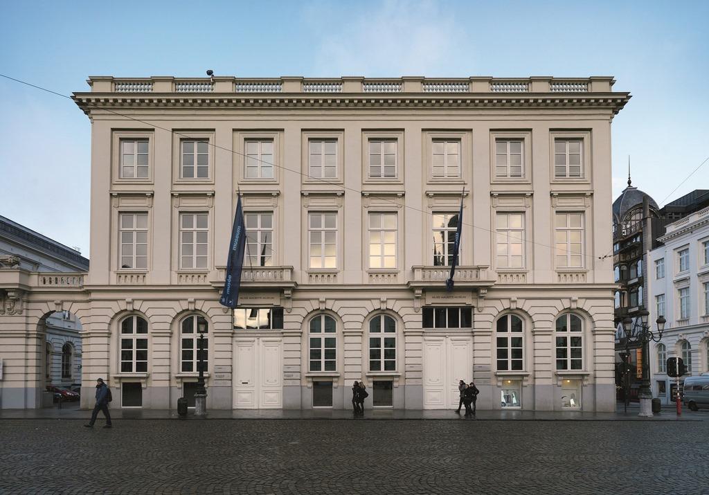 Museu Magritte conta com mais de 200 obras, desde pinturas a óleo, desenhos, esculturas e muitos outros tipos (Foto: RMFAB)