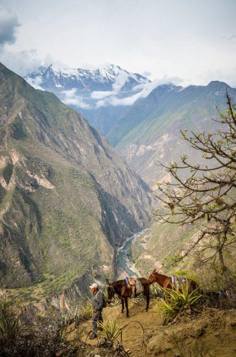 Vistas espetaculares na trilha de Choquequirao - Peru
