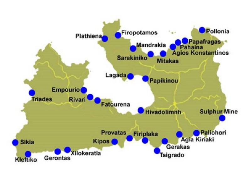 Mapa com as principais praias da ilha. Fonte: http://www.milos-island.info/en/paralies02.htm