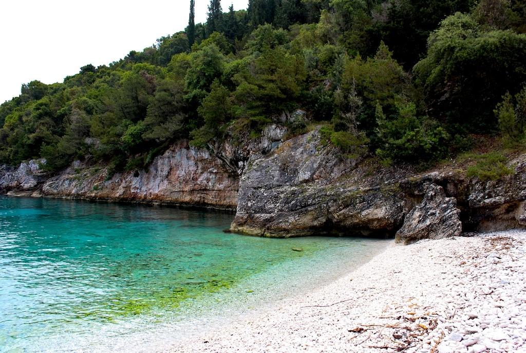 Dafnoudi Beach - Amamos essa praia, pequena, aconchegante e só nossa!