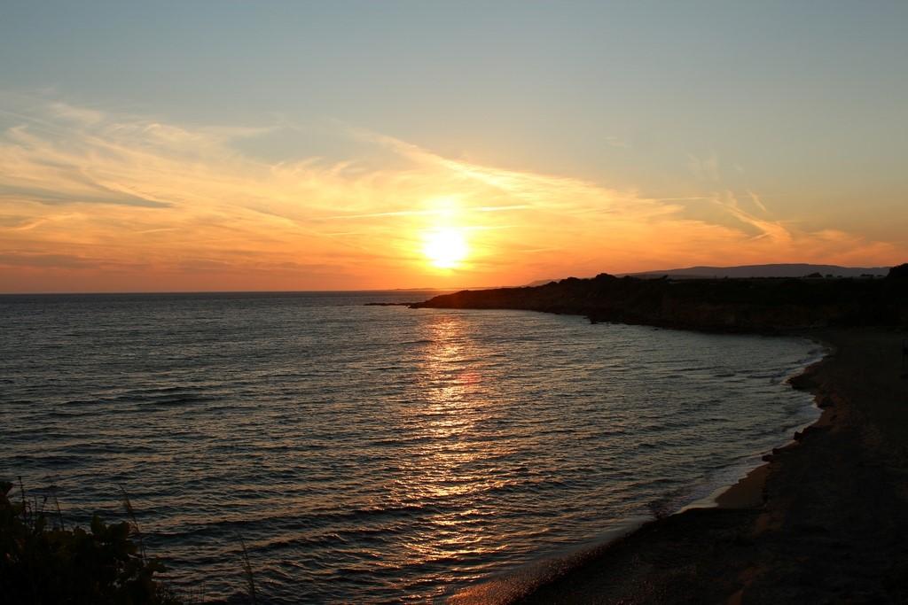 Pôr do sol em Ammos Beach para fechar com chave de ouro nossa passagem por Kefalonia