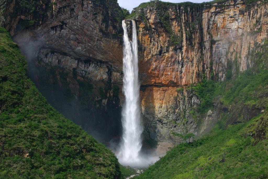Maiores Cachoeiras do Brasil - Cachoeira do Tabuleiro - MG