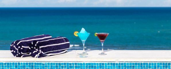 Vista da piscina do Maitei Hotel, em Arraial D'Ajuda