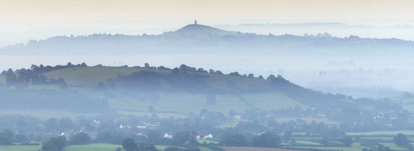 As Brumas de Avalon - Glastonbury Tor - Inglaterra